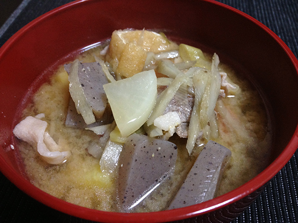 風邪対策に!生姜たっぷり豚汁をつくった。